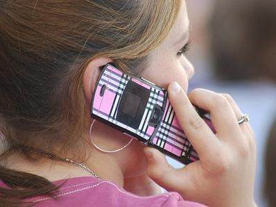 Dùng điện thoại di động sẽ bị ung thư não?